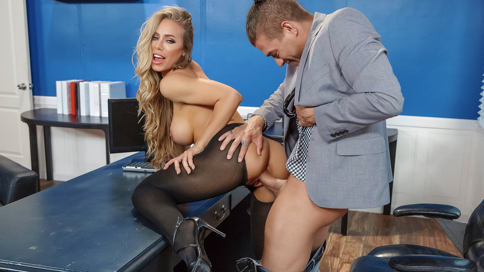BigTitsAtWork: Summertime And The Livin Is Sleazy – Nicole Aniston
