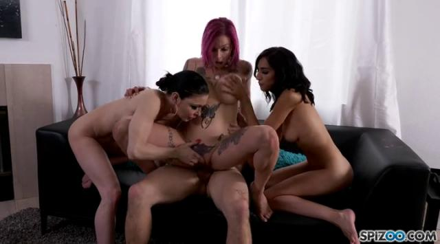 Spizoo:  B N Air Bang – Jessica Jaymes, Anna Bell Peaks And Destiny Love